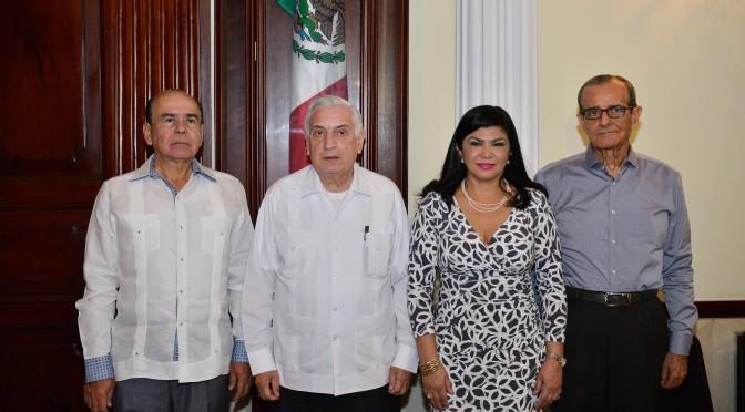 Al gabinete Gustavo Rosario, Pancho Peralta y Neyda García