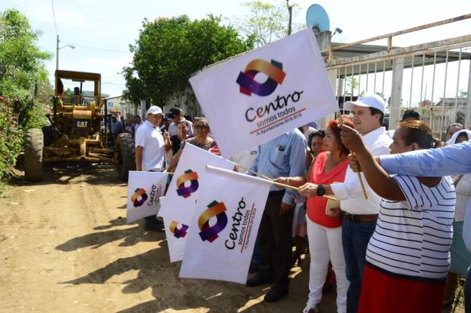 Calles y banquetas para habitantes de Coquitos, en Gaviotas, Centro