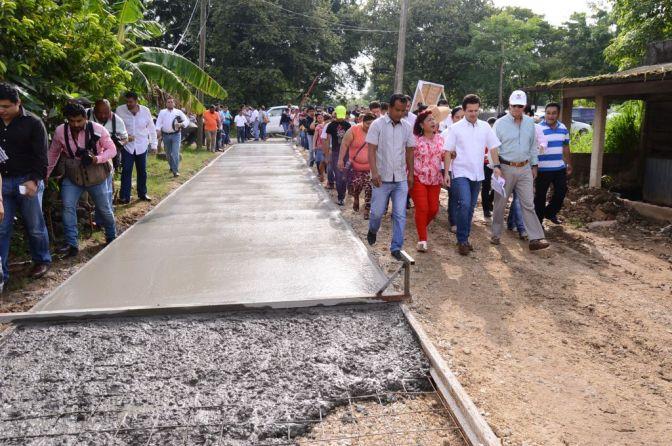 """En Centro, familias de """"Coquitos"""" caminarán sobre calles dignas"""