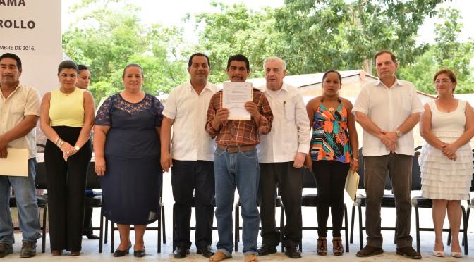 Entrega Gobierno estatal más de 11 mdp a productores de Nacajuca
