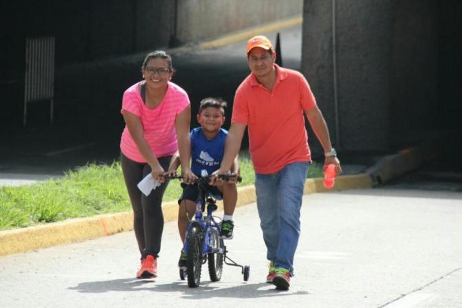 """Bici Ruta y más deportes integran a familias en """"Centro en Movimiento"""""""