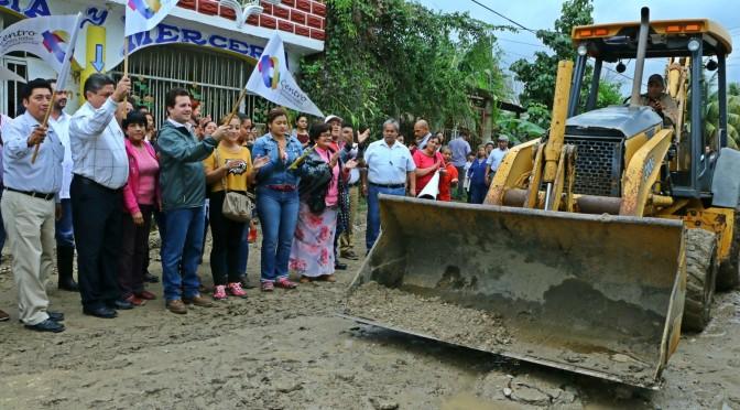Construye Centro calles en Buenavista Río Nuevo, 2a sección