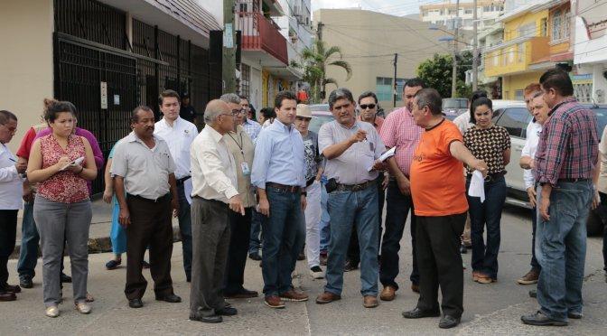 Instruye alcalde mejora de servicios públicos en la VI zona de Centro