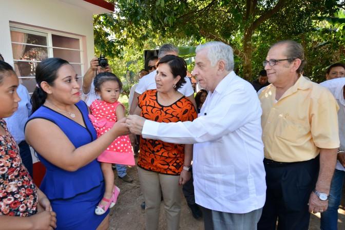 """""""Cuartos Rosas"""" para familias tabasqueñas"""