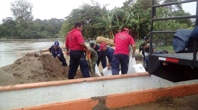 Contienen desbordes de ríos en Teapa y Jalapa y atienden a familias afectadas