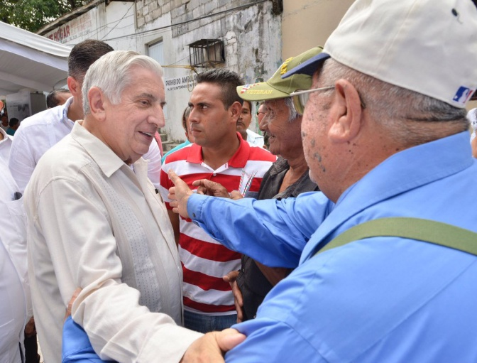 Lleva hoy el gobernador apoyo a productores de Jalapa y Macuspana