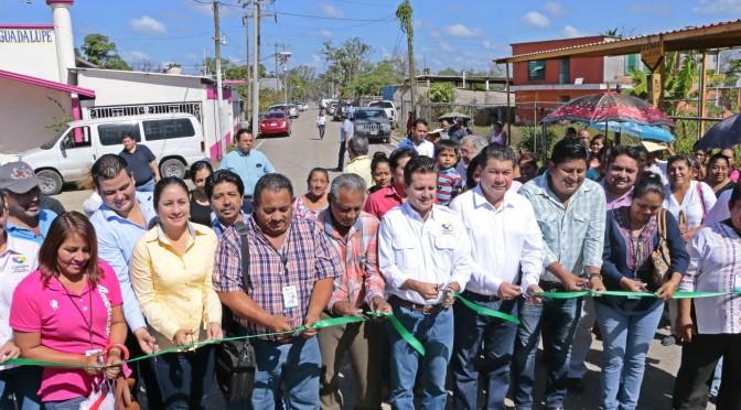 Cambiará vida de familias de La Gloria nueva carretera: Gerardo Gaudiano