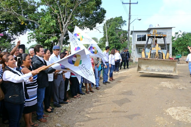 Construye Centro calles nuevas para familias de Medellín y Madero, 2a