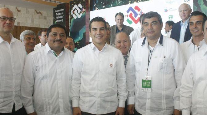 Presente UJAT en Foro económico Binacional México-Estados Unidos
