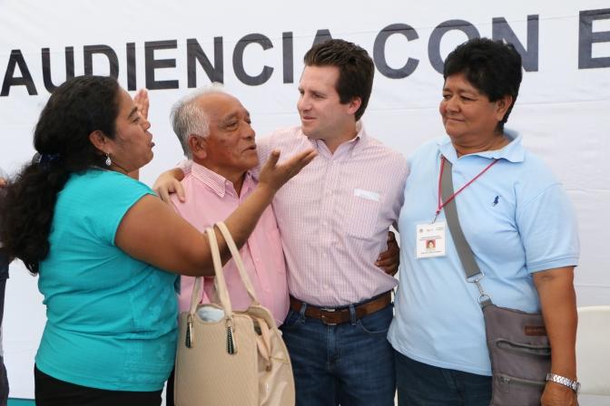 Entregan actas certificadas a familias de Plátano y Cacao de Centro