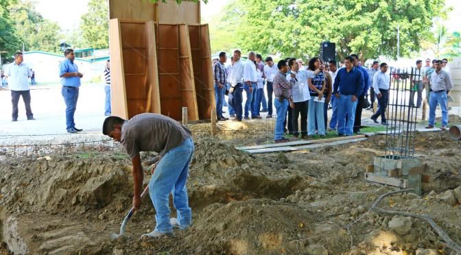 Avanza cancha de fut que construye Centro en Dacbiol UJAT