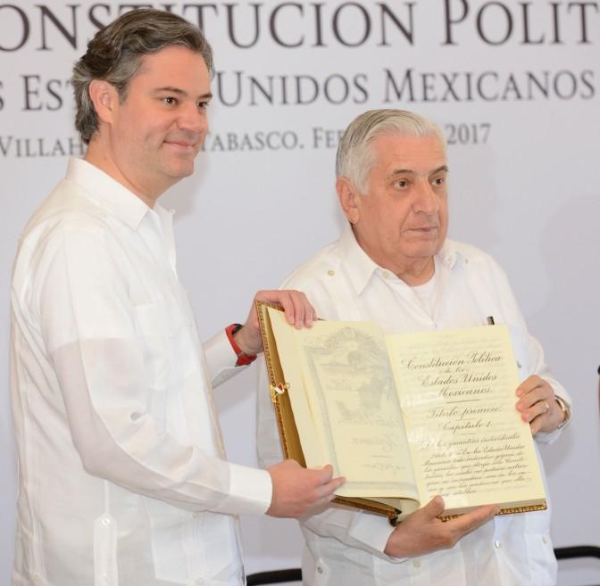 Recibe Tabasco facsimilar de la Constitución Mexicana de 1917