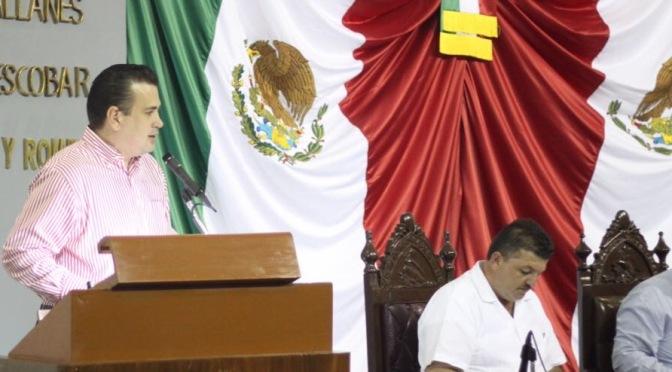 Transmisión en vivo de sesiones de Cabildos, propone diputado César Rojas