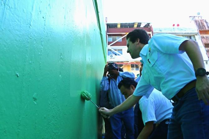 Familias y Centro al rescate de imagen de edificios emblemáticos de Los Ríos