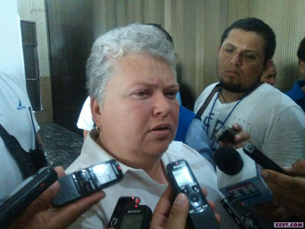 Pide diputada María Estela congruencia a perredistas que trabajan para AMLO