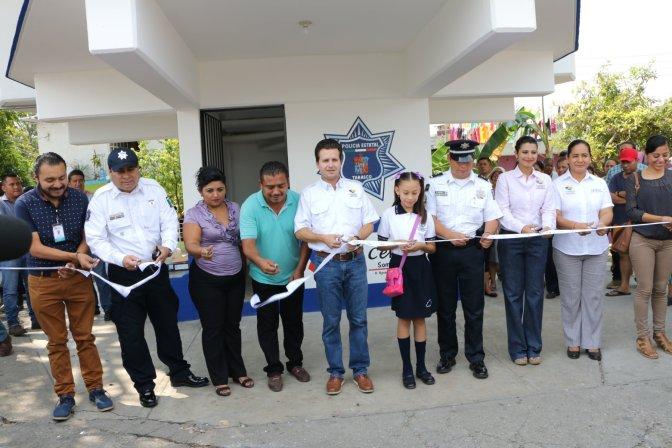 Atiende Centro a familias de la Manga 1 y ya tienen una renovada caseta policial
