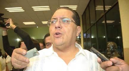 Anuncia Andrade limpia de funcionarios apenas asuma control del Congreso