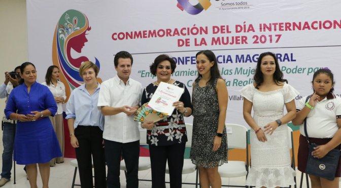 Mujeres valoradas y reconocidas en Centro