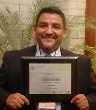 Premio nacional a profesor de la UJAT que ganó con un proyecto innovador