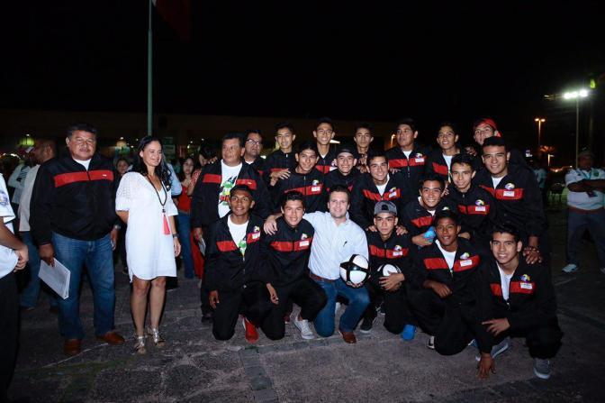 Vive Villahermosa fiesta futbolera con 33 equipos en campeonato nacional