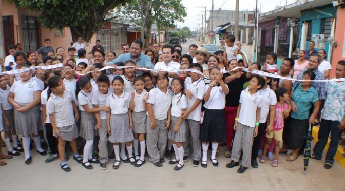 Beneficiadas 34 comunidades de Centro con nuevas calles de asfalto y concreto
