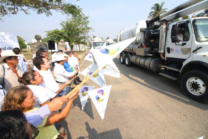 Arranca programa de desazolve 2017 de drenajes en 117 localidades de Centro