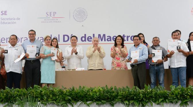 Tabasco tiene en magisterio a soldados defensores de educación: Arturo Núñez