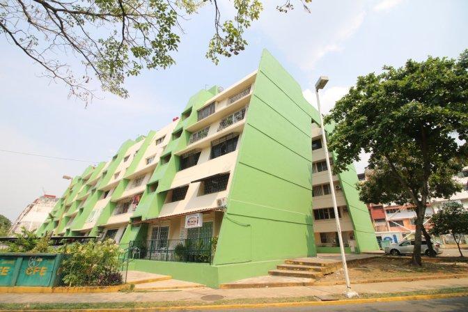 Toman vida edificios de Los Ríos, Centro