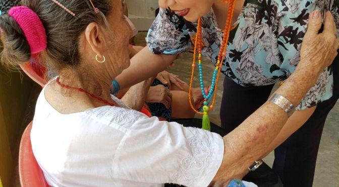 """Celebra Ady García a madres del Consejo de Ancianos """"Puerta del Cielo"""""""