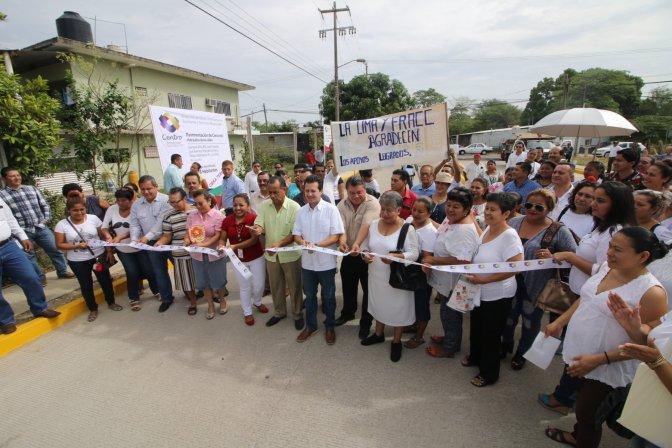 Ya caminan habitantes de La Lima  sobre calles nuevas y dignas