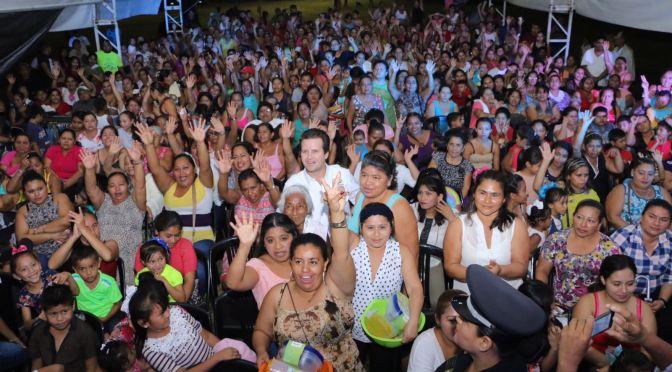 Festeja Gaudiano a mamás de la Villa Luis Gil Pérez