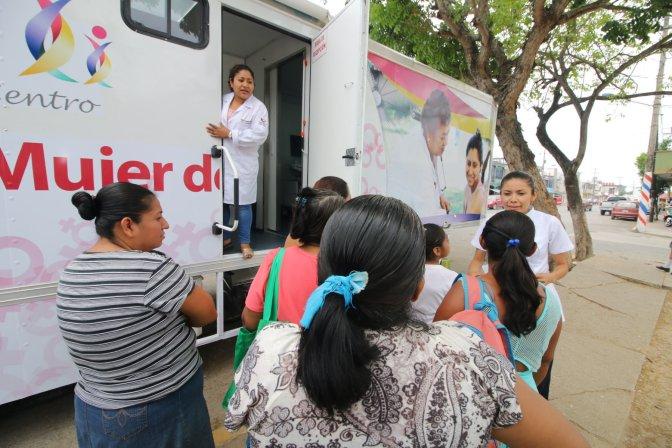 Agradecen mujeres de Centro por mastografías y ultrasonidos gratuitos