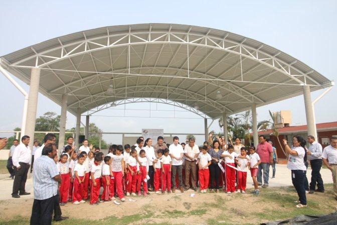 Estrenan techumbre niños y niñas de la escuela de Los Pinos en Centro