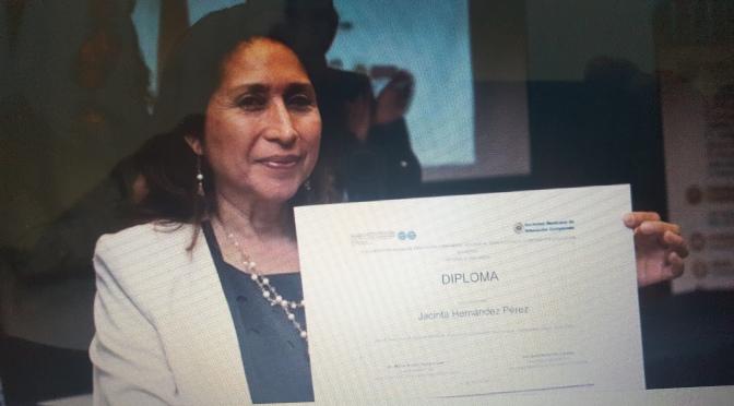 Premian a profesora de la UJAT, Jacinta Hernández, por mejor tesis doctoral