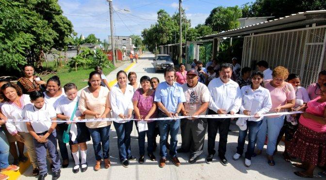 Con obras rescata Centro del abandono a familias de Anacleto Canabal 1a