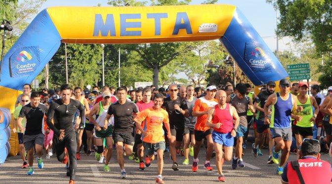 Celebra Centro a papás con carrera y caminata