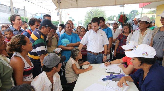 Atendidos y apoyados por Gaudiano vecinos afectados de Tamulté, Centro