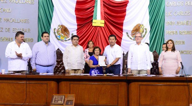 Recibe UJAT del Congreso Medalla al Mérito por Defensa del Medio Ambiente