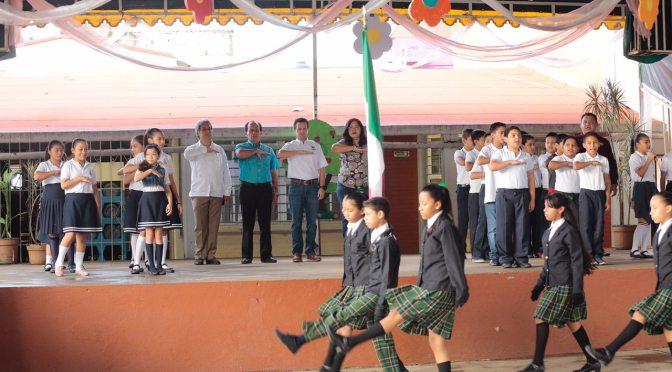 Fortalece Gaudiano cercanía con alumnos de Centro