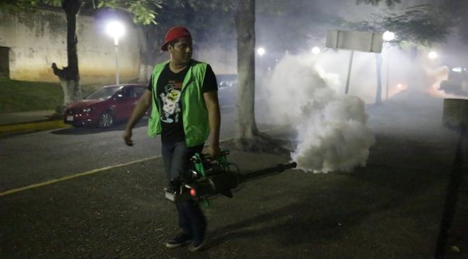 Arranca fumigación contra moscos para proteger a población de enfermedades