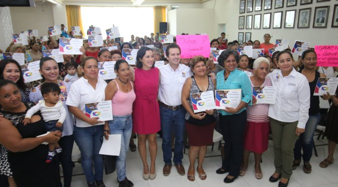 Todo el apoyo del gobierno de Centro a mujeres emprendedoras