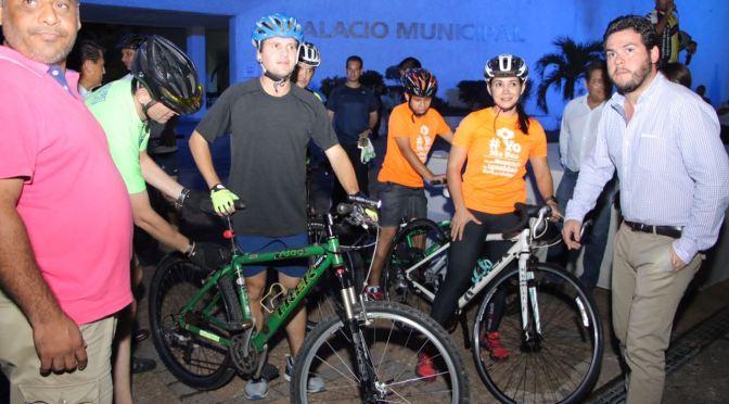 Promueve Gaudiano uso de bicicletas y convive con clubes  en rodada nocturna