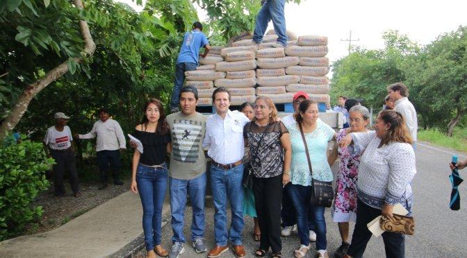 Apoya Centro mejora de viviendas de familias de Torno Largo 2da