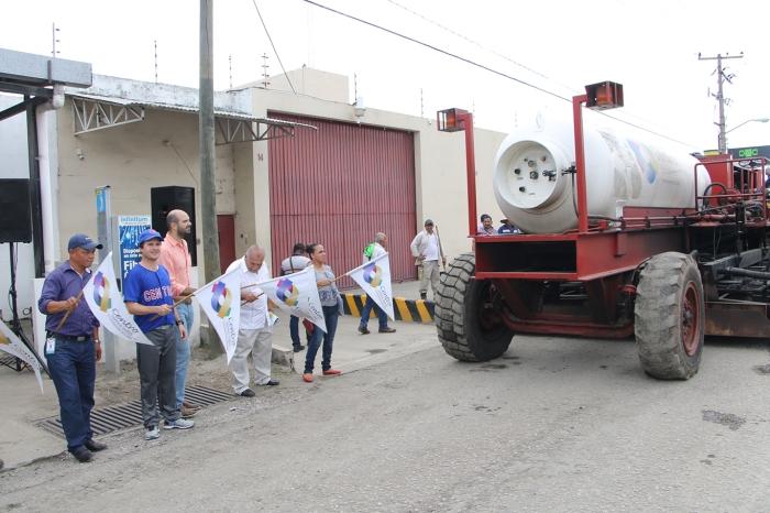 BANDERAZO DE RECONSTRUCCIÓN DE CALLES Y AVENIDAS CON EQUIPO DE RECICLADO ASFÁLTICO - CALLE COBRE ESQ. CALLE HIERRO, CIUDAD INDUSTRIAL (2)