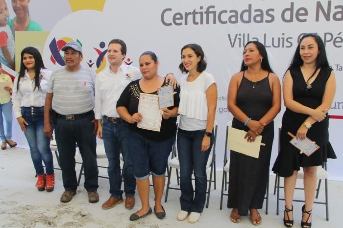 ENTREGA DE ACTAS DE NACIMIENTO (2)