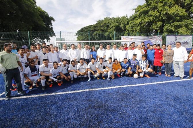 Beneficia Gaudiano a estudiantes del Tec de Villa con nueva cancha de Fut 7