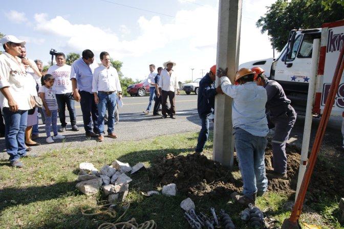 Contribuye Centro a mejorar voltaje de  planta potabilizadora Chilapa
