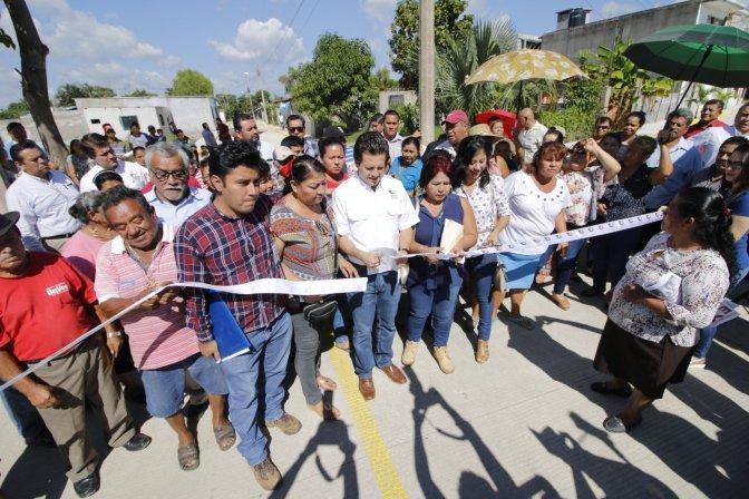 Lleva Gaudiano más de 500 acciones en Centro; este lunes entregó calle y drenaje enArmenia