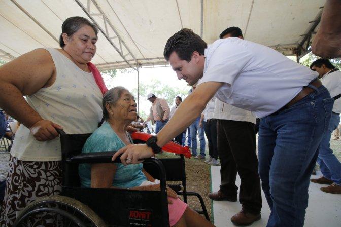 Gaudiano resuelve peticiones en La Manga 2ª, a donde llevóAudiencia con el Presidente