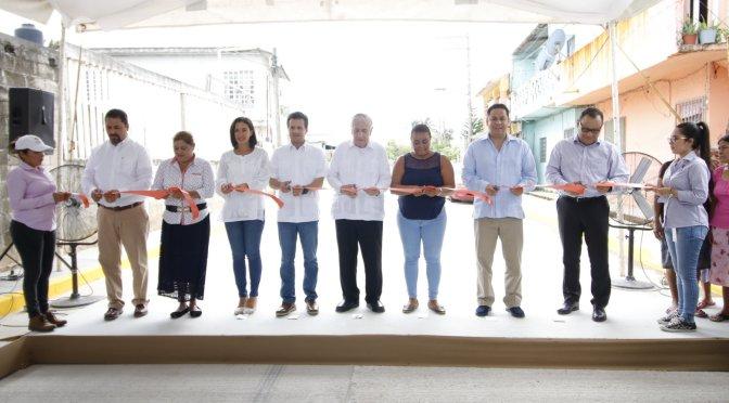 Avanza respuesta a los compromisos con entrega de calles en Asunción Castellanos